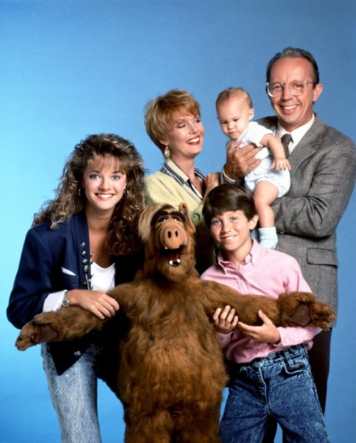ALF Cast ALF-Paul Fusco (puppeteer and voice) (also played by Mihaly 'Michu' Meszaros in full costume) Willie Tanner-Max Wright Kate Tanner-Anne Schedeen Lynn Tanner-Andrea Elson Brian Tanner-Benji Gregory