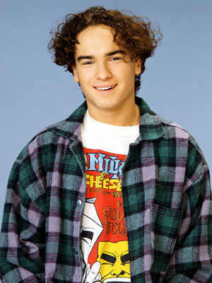 David Healy (Johnny Galecki)