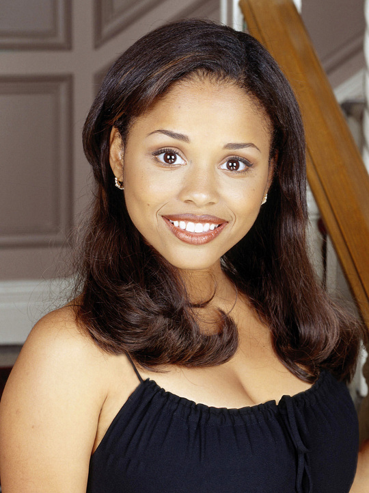 Michelle Thomas stars as Myra on FAMILY MATTERS.
